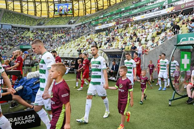 Piotr Stokowiec oczekuje większej intensywności i lepszej gry od piłkarzy Lechii Gdańsk niż to zaprezentowali w meczu z Wisłą Kraków i to bez względu na to, jaki skład wychodzi na boisko.