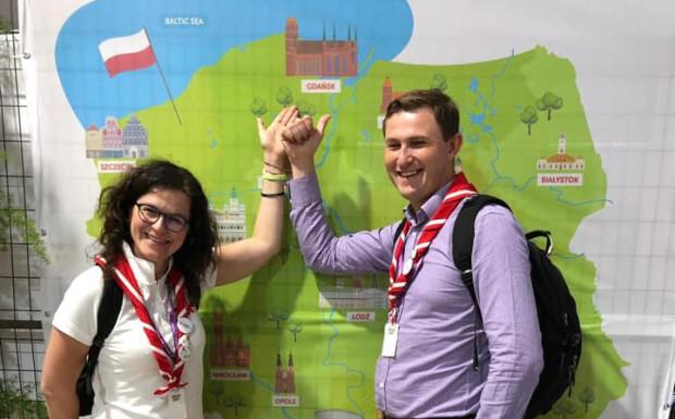 Aleksandra Dulkiewicz, prezydent Gdańska oraz Piotr Grzelak, jej zastępca, w lipcu byli na światowym zlocie skautów w USA, gdzie promowali europejski zlot w Gdańsku, który ma się odbyć w 2020 roku.