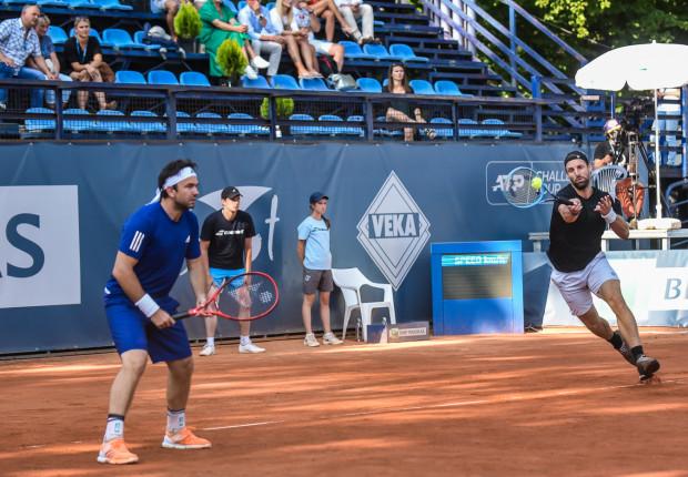 Triumfatorzy debla w BNP Paribas Sopot Open. Od lewej: Rumun Florin Mergea i Niemiec Andre Begemann.