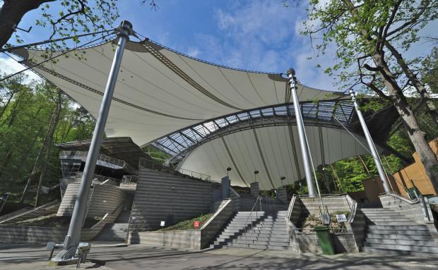 Opera Leśna w Sopocie - zachwyca o każdej porze roku, ale szczególnie wiosną i latem, gdy wokół pełno zieleni.