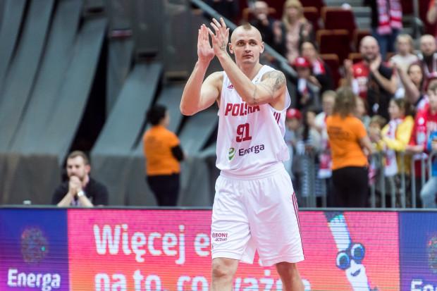 Dariusz Wyka był jednym z trzech koszykarzy z Trójmiasta, który został powołany do szerokiej kadry przed mistrzostwami świata. O wyjazd do Chin wciąż walczą: Adam Hrycaniuk i Łukasz Kolenda.