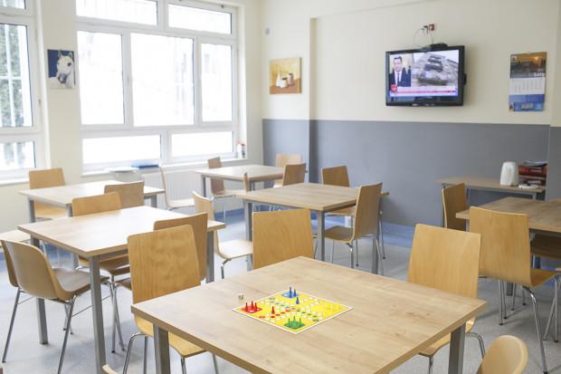 Brak miejsc dla chorych, brak lekarzy, za mało pieniędzy z NFZ - to głównie problemy szpitala psychiatrycznego w Gdańsku.