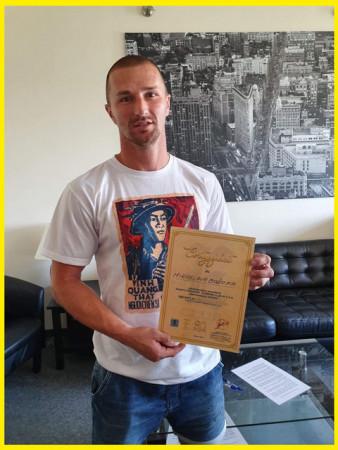 Miroslaw Bożok, były kapitan Arki Gdynia i klubowy skaut, został udziałowcem Ejsmond Club, który posiada 5 procent akcji Arka Gdynia SSA.