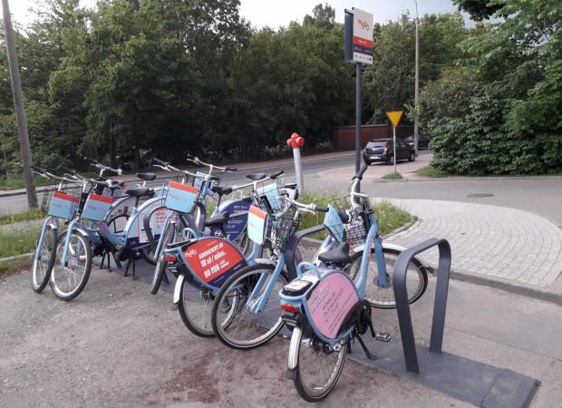 Brak możliwości rezerwowania sprawił, że na niektórych stacjach pojawiło się więcej rowerów. Czy to się zmieni po przywróceniu rezerwacji?