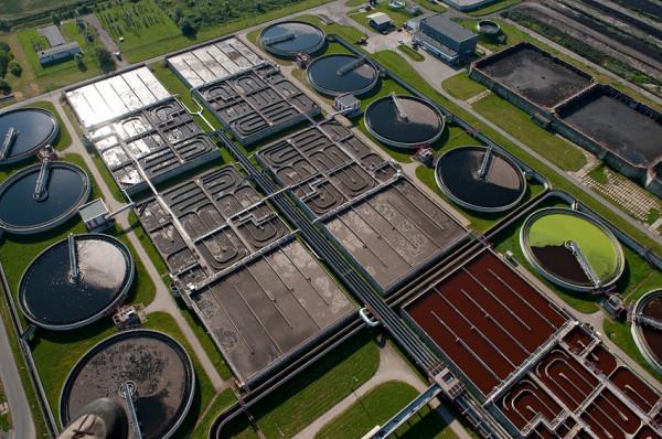 Oczyszczalnia ścieków Gdańsk-Wschód została przekazana do eksploatacji w 1976 roku. W kolejnych latach była wielokrotnie modernizowana, dzięki czemu spełnia wyśrubowane normy unijne.