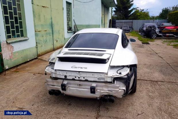 Wstępne wyliczenia dotyczące 11 samochodów wskazują, iż uszczuplenie należności Skarbu Państwa wyniosło około 500 tys. zł.