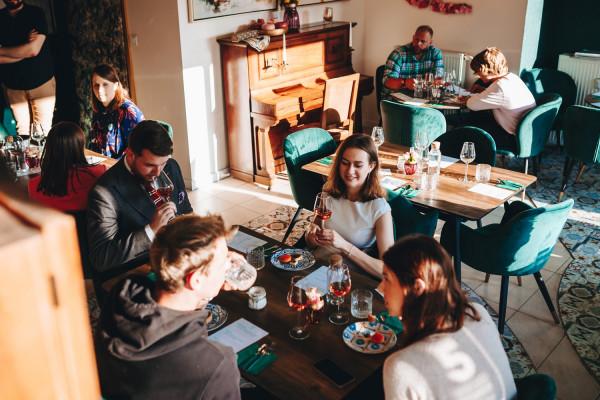Wieczór wybornych deserów był pierwszym wydarzeniem zorganizowanym przez Szmaragdową Cafe, ale patrząc na zaangażowanie właścicieli - z pewnością nie ostatnim.