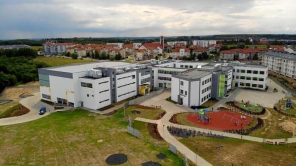 Nowa sala gimnastyczna i aula zostaną otwarte 2 września.