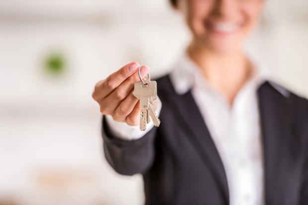 Mieszkań na wynajem dla swoich pracowników poszukują z reguły korporacje, spółki, duże firmy międzynarodowe i krajowe oraz instytucje zagraniczne.