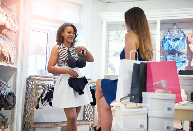 Dobór odpowiedniej bielizny jest ważny dla każdej kobiety i na każdy biust, zarówno w przypadku małego, średniego, jak i dużego rozmiaru.