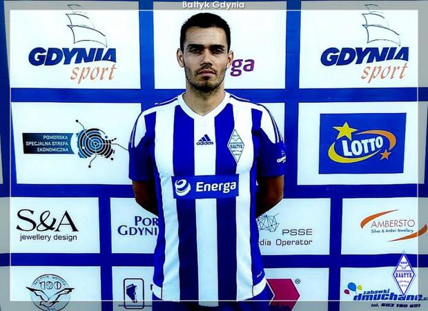 Laurentiu Iorga już w koszulce Bałtyku Gdynia. Klub poinformował, że ma certyfikat piłkarza, aby zatwierdzić go do rozgrywek III ligi.