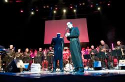 Gwiazdą części muzycznej będzie mistrz elektroniki Matthew Herbert, który zagra z 19-osobową orkiestrą.