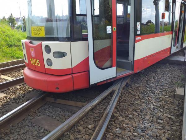 Wykolejenie tramwaju w okolicy Chełma spowodowało spore utrudnienia w komunikacji.