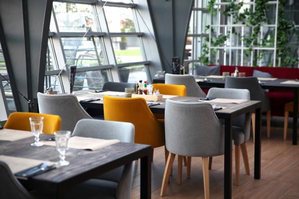 Restauracja 4 Piętro znajduje się na najwyższym poziomie centrum handlowego Manhattan we Wrzeszczu.
