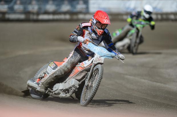 Krystian Pieszczek rozpoczynał sezon startując w ligach w Polsce, Anglii i Szwecji. Teraz pozostała mu tylko ta ostatnia.