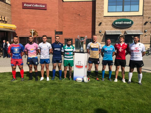 Kapitanowie wszystkich zespołów ekstraligi rugby.
