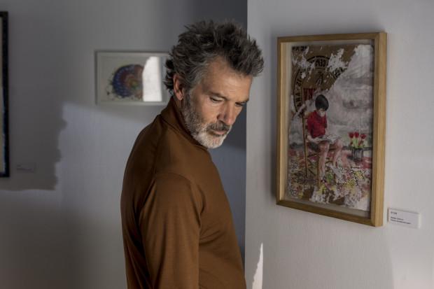 """Biorąc pod uwagę świetną pracę aktorów na drugim planie, krzywdzącym byłoby nazwać występ Antonio Banderasa """"one man show"""". Bardziej celnym określeniem jest """"rola życia"""" pochodzącego z Malagi gwiazdora."""