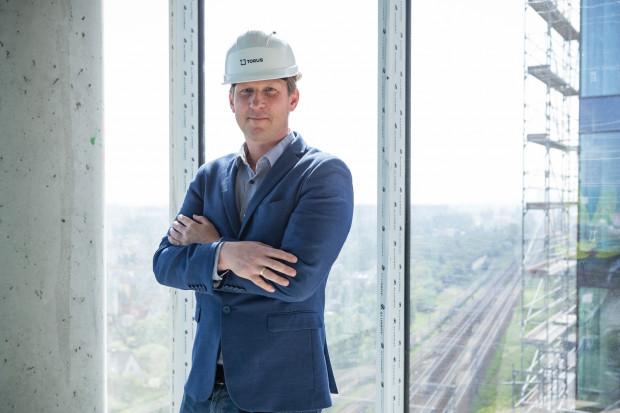 - Sukces na płaszczyźnie zawodowej nie oznacza pełni szczęścia. Pozostałe płaszczyzny życia, jak rodzinna czy pasje, są w tym wszystkim bardzo ważne - twierdzi Marcin Frozyna, dyrektor ds. inwestycji w firmie Torus.