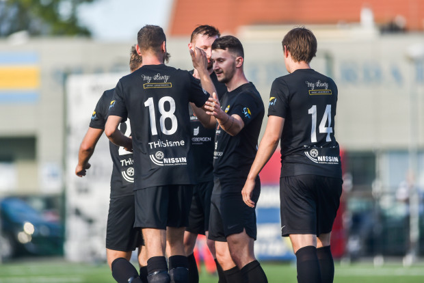 Piłkarze Ogniwa Sopot pokonali Polonię Gdańsk 6:2 w II rundzie okręgowego Pucharu Polski.