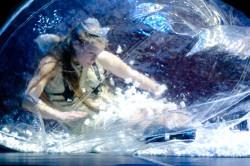 Poetycki, niemal bezbłędny pokaz tańca zespołowego, zaufania wobec parterów i wielkiej kreatywności choreograficznej dali Rosjanie z zespołu Prowincjonalnyje Tancy pod kierunkiem Tatiany Baganovej.