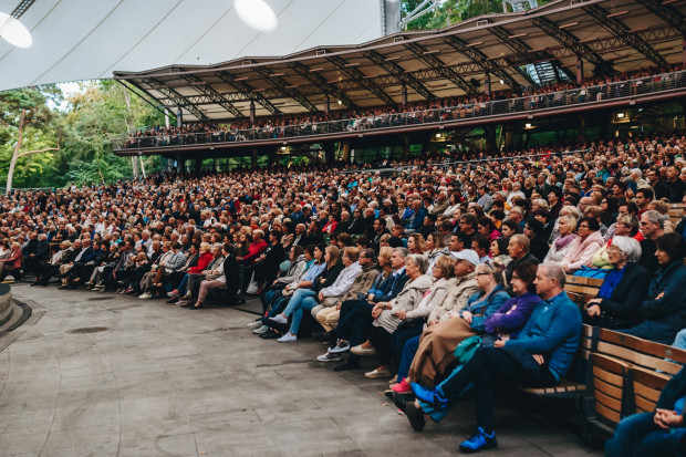 Koncert dla Mieszkańców - 110 lat Opery Leśnej przyciągnął tłumy.