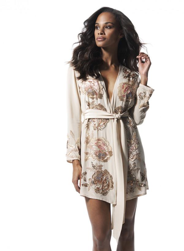 Bardzo modne są eleganckie szlafroki.