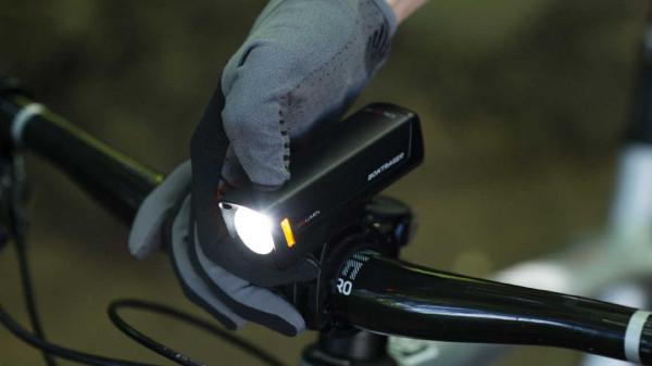 Lampka przednia Bontrager ION PRO RT - 1,3 tys. lumenów - cena: 529 zł