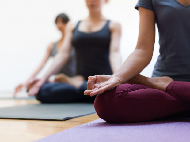 Aktywność fizyczna jest doskonałą odskocznią od codzienności. Pomaga redukować napięcie i poprawia nastrój.