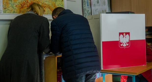 13 października przy urnach wybierzemy nowy skład Sejmu i Senatu