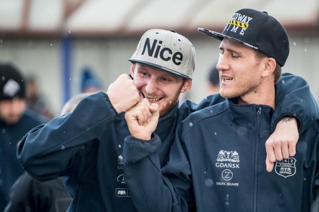 Podczas II Memoriału Henryka Żyto, Kacper Gomólski (z lewej) i Mikkel Bech (z prawej) poinformowali, że zostają w Zdunek Wybrzeżu Gdańsk na kolejny sezon.