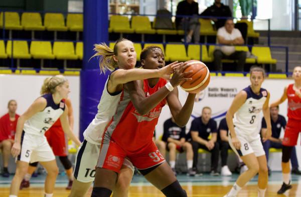 Alice Nayo (nr 93) była najskuteczniejszą koszykarką Politechniki Gdańskiej w dwóch z trzech spotkań na Litwie. Z Liepaja SSS zdobyła 21 punktów, a z Astaną Tigers 15.