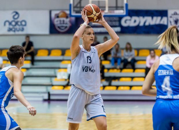 Maryja Papowa dobrze prezentowała się podczas okresu przygotowawczego. Najlepszy wynik uzyskała w starciu z Eneą AZS Poznań, gdy zdobyła 30 punktów dla Arki Gdynia.