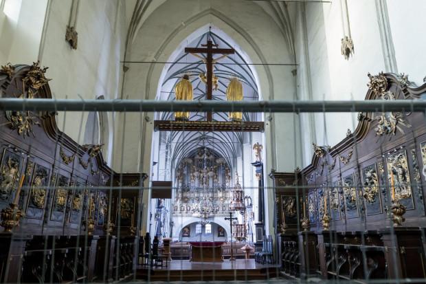 Kościół św. Mikołaja zamknięto w październiku 2018 r. z powodu zagrożenia katastrofą budowlaną, spowodowanego spękaniami sklepień i filaru - z powodu rozluźnionego gruntu pod posadzką.
