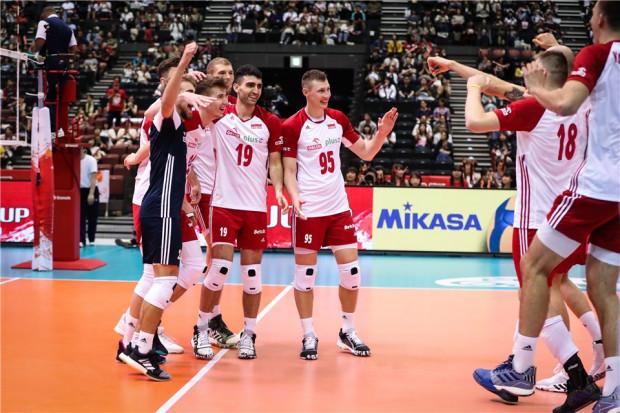 Polscy siatkarze rozpoczęli Puchar Świata 2019 od wygranej nad Tunezją 3:0. Marcin Janusz, rozgrywająca Trefla Gdańsk (nr 19) w każdym secie wchodził na podwójną zmianę.