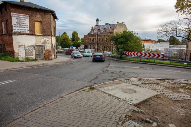 Nawierzchnia zostanie wymieniona na podjeździe między Traktem św. Wojciecha a ul. Brzegi.