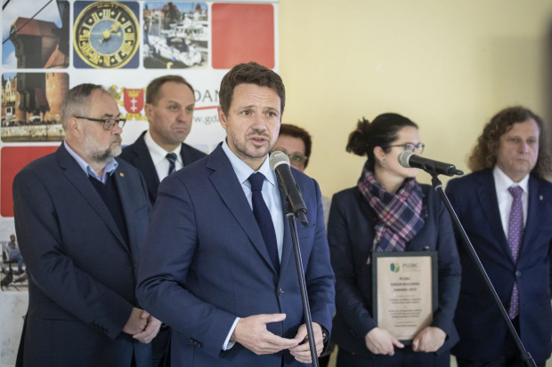 Spotkanie samorządowców w Gdańsku. Na pierwszym planie Rafał Trzaskowski, prezydent Warszawy.