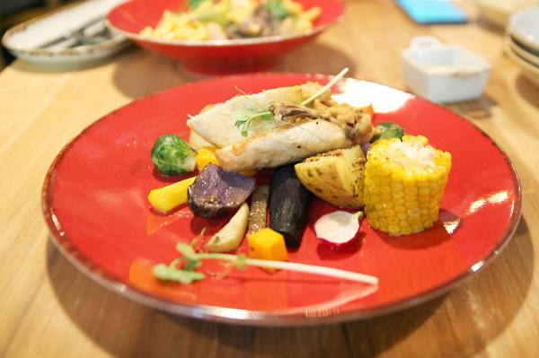 Kurczak zagrodowy (pierś) z warzywami