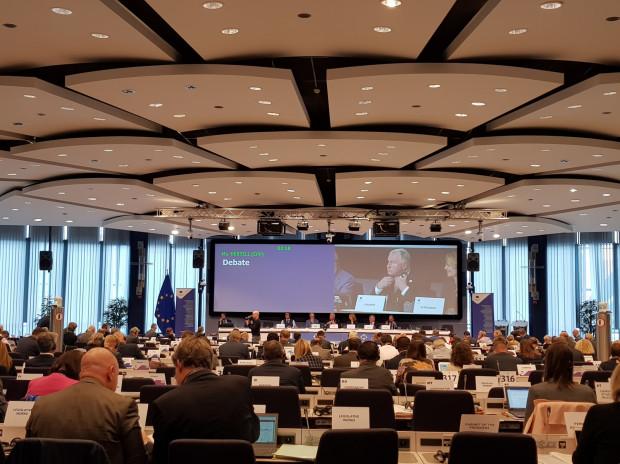 Środowe obrady sesji plenarnej Komitetu Regionów w Brukseli.