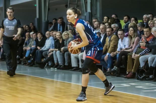 O wysokiej porażce DGT Politechniki zadecydowała fatalną druga kwarta. Gdańszczanki zdobyły w niej tylko 2 pkt. Na zdjęciu Marianna Duszkiewicz.
