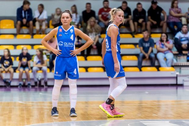 Karina Szczurewska (nr 4) rzuciła CCC 15 punktów, ale jej AZS UG przegrało z mistrzyniami Polski różnicą 40 pkt.