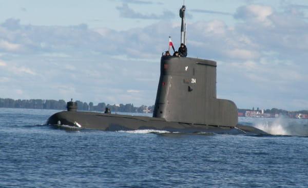 Okręt podwodny ORP Sokół został wycofany ze służby w czerwcu 2018 roku. Na zdjęciu jednostka wracająca z patrolu morskiego do portu w Gdyni.