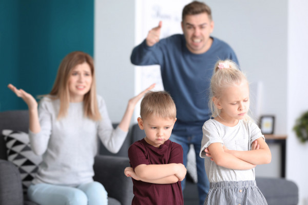 Obok odpowiedzialności rodzicielskiej równie ważna jest kondycja psychiczna i fizyczna rodzica - to ona wpływa na relacje i więź z dzieckiem.