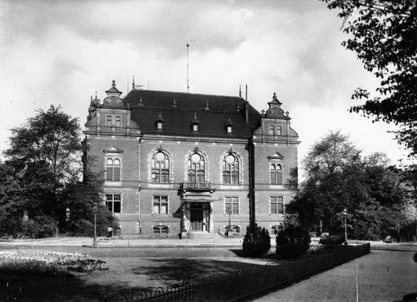 Siedziba wysokich komisarzy Ligi Narodów w Wolnym Mieście Gdańsku. Dziś to siedziba Rady Miasta Gdańska.