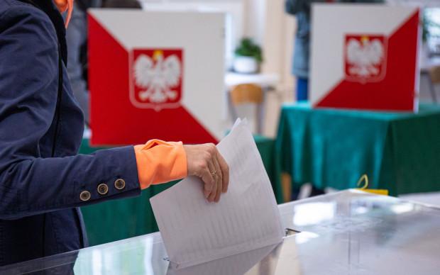 W niedzielnym glosowaniu wzięła udział rekordowa liczba wyborców.