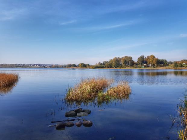 Widok na Jezioro Tuchomskie