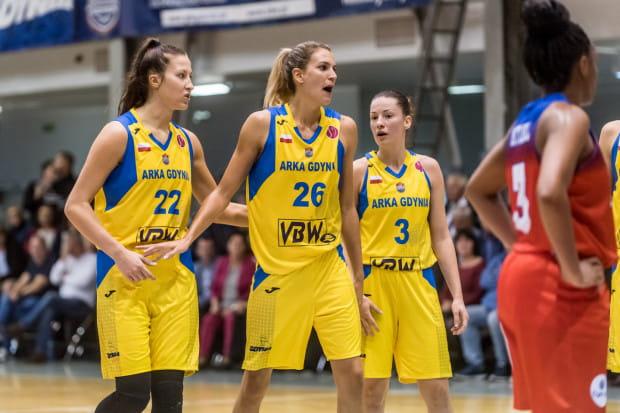 Żółto-niebieskie wróciły do Euroligi po dziewięciu latach przerwy. Klub z Gdyni jeszcze pod szyldem Polpharmy VBW Clima czy Lotosu, w latach 1998-2010 występował w Eurolidze. Koszykarki z Gdyni dwukrotnie zdobyły wicemistrzostwo tych rozgrywek w sezonach 2002 i 2004.
