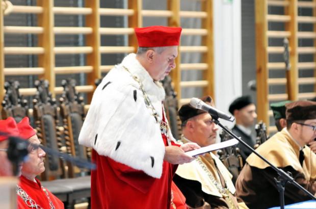 Dr hab. Waldemar Moska zrezygnował z pełnienia funkcji rektora.