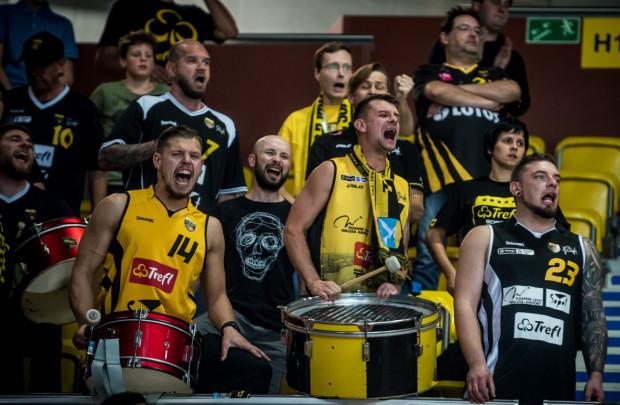 Kibice Trefla Sopot stracili sporo nerwów podczas meczu z PGE Spójnią Stargard, ale ostatecznie mogli cieszyć się ze zwycięstwa miejscowych koszykarzy.