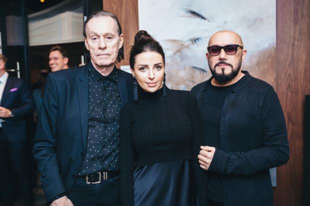 Atrakcją wieczoru był występ muzyczny Johna Portera. Na zdjęciu: John Porter, Alicja Domańska i Grzegorz Skawiński.