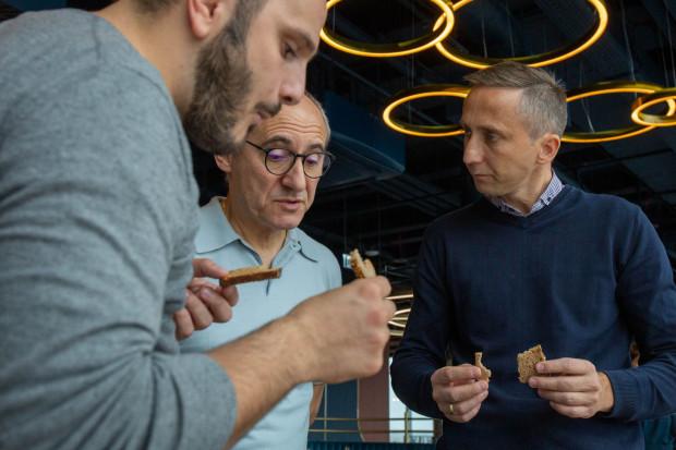 Najbliżsi współpracownicy Paco Péreza w Arco to kucharze: Antonio Arcieri (z lewej) i Łukasz Cegłowski.
